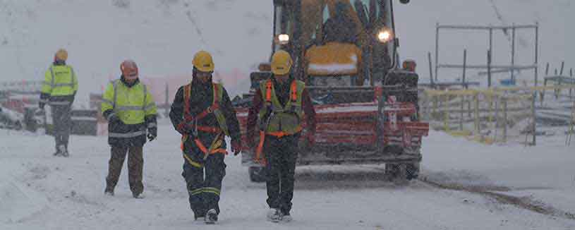 acwapower-employees-out-in-the-snow-kirikkale